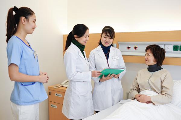 Cử nhân điều dưỡng tại Nhật có mức lương 2000USD/ tháng