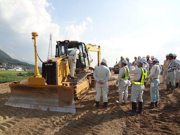 Tuyển nam đơn hàng điều khiển máy xúc đất xuất khẩu lao động Nhật Bản