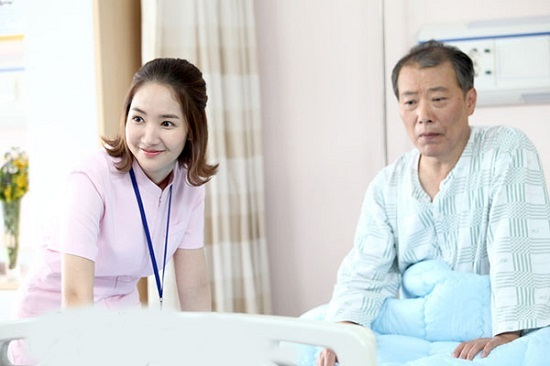 Y tá, hộ lý và điều dưỡng tại Nhật Bản làm những công việc gì?