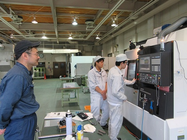 Đơn hàng gia công cơ khí xuất khẩu lao động Nhật Bản