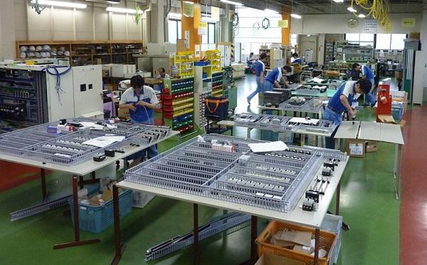 lắp ráp bảng điều khiển xuất khẩu lao động Nhật Bản