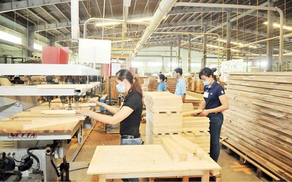 Đơn hàng chế tác đồ gỗ cần gấp 12 lao động nữ XKLĐ Nhật Bản