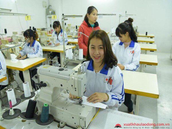 bài thi thực hành cho nữ đơn hàng may mặc