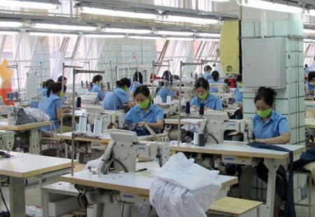 6 Nữ lao động ngành may tại Fukuoka tháng 11/2013