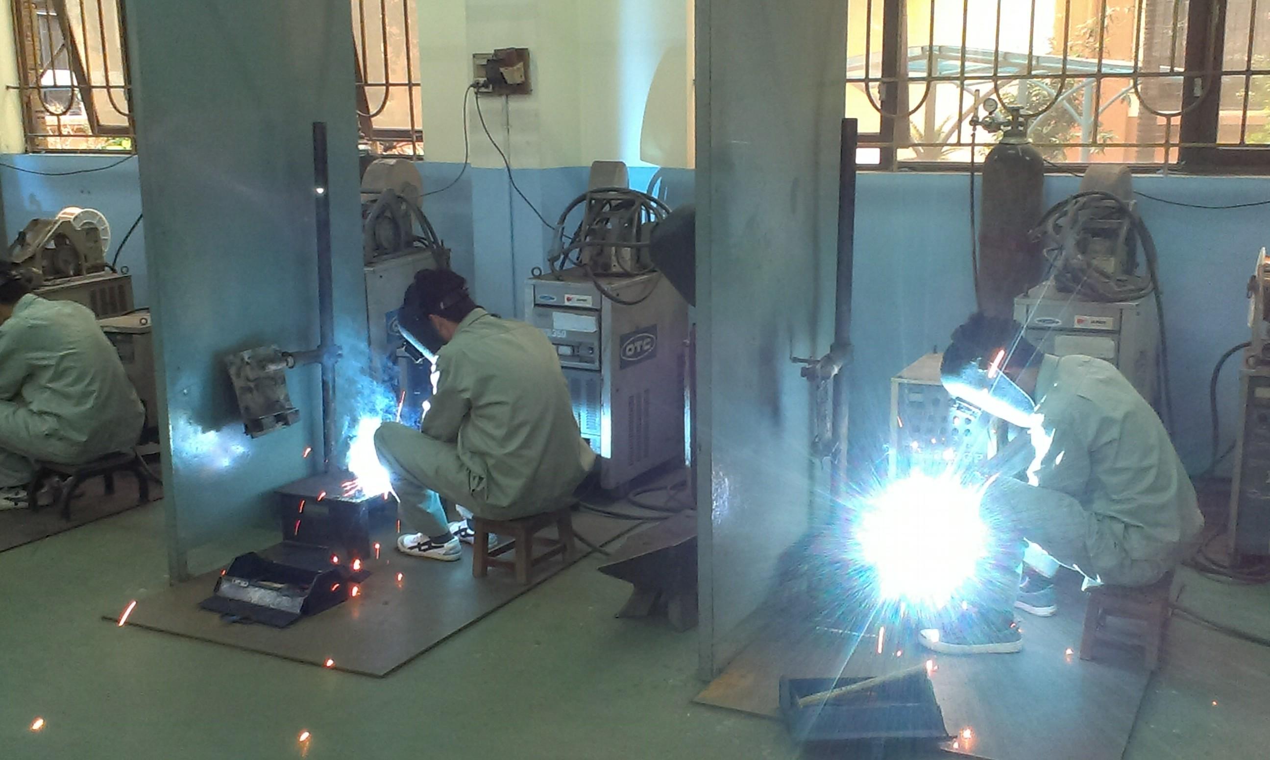 Khó khăn trong tuyển chọn lao động ngành Cơ khí đi làm việc tại Nhật Bản