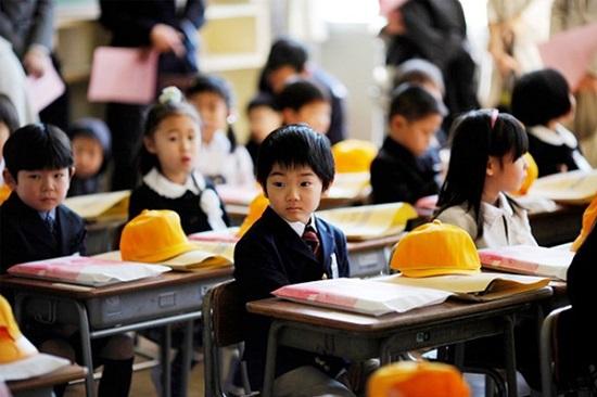 tre-em-nhat-ban-duoc-giao-duc-rat-som Con người và tính cách người Nhật Bản
