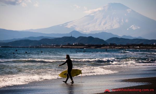 ngắm núi phú sĩ từ thị trấn Kamakura