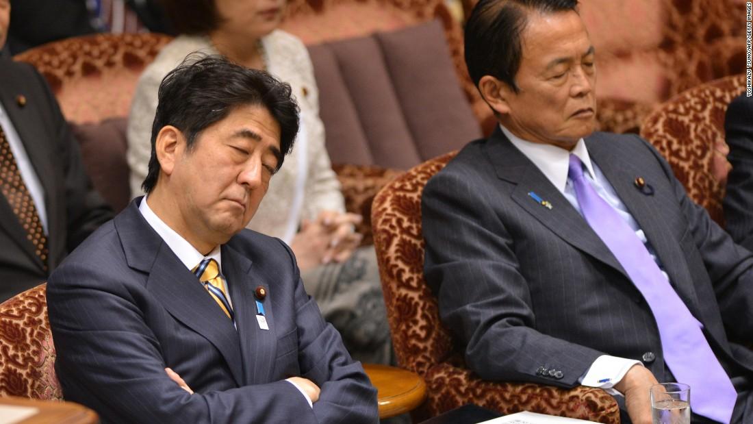 Ngủ gật ở văn phòng tại Nhật Bản được khích lệ