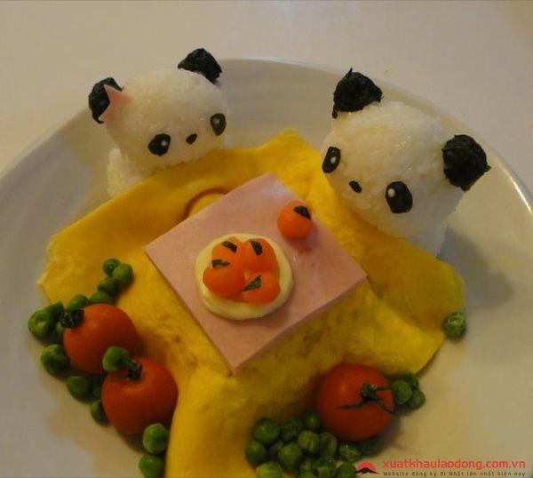 cơm cuộn trứng omurice nhật bản