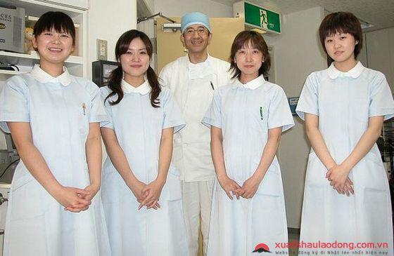 Sự thật về công việc của hộ lý và điều dưỡng tại Nhật Bản