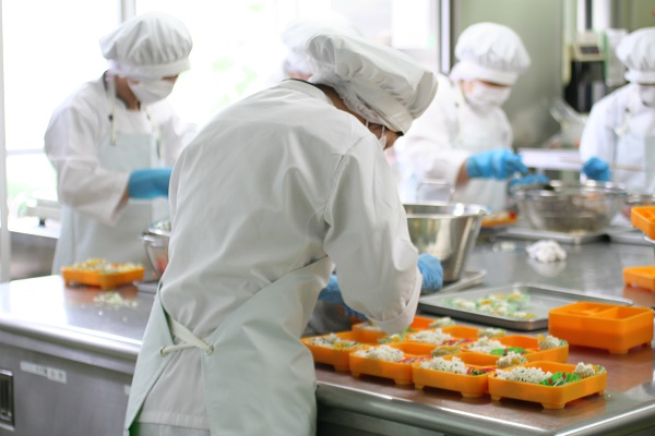 Thiếu hụt 40.000 lao động vào năm 2020 tại Nhật, giới trẻ Việt Nam có cơ hội không?