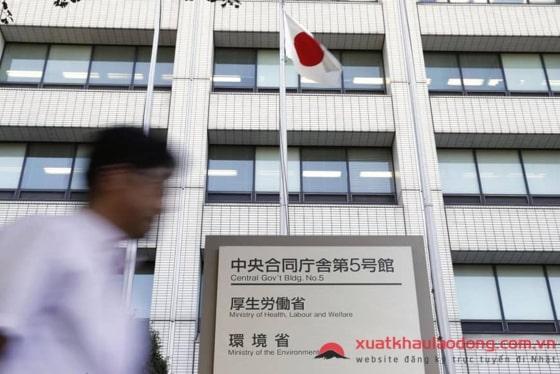 THAY ĐỔI hệ thống bảo hiểm y tế công cộng cho lao động nước ngoài tại Nhật năm 2019