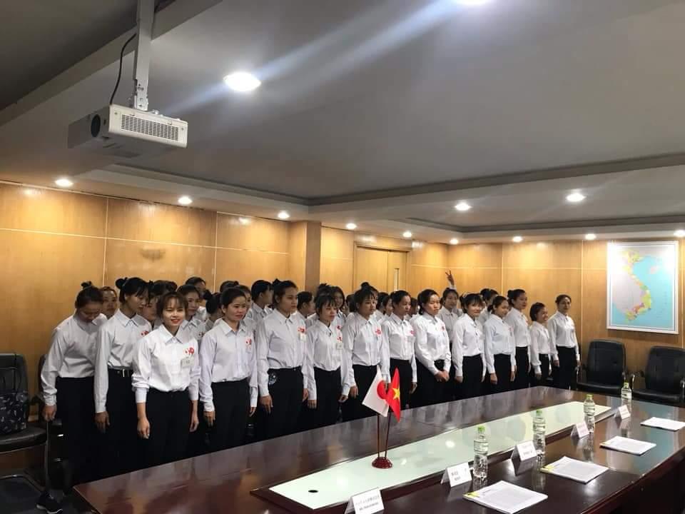 TUYỂN 15 nữ may quần áo tại Fukuoka Nhật Bản LƯƠNG CAO, lấy đến 30 tuổi