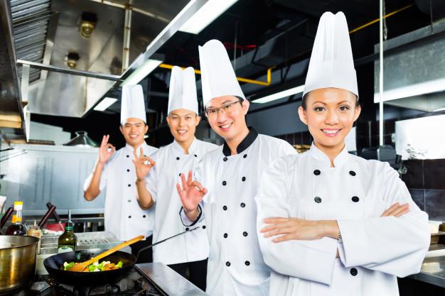 tuyển 10 đầu bếp đi Nhật
