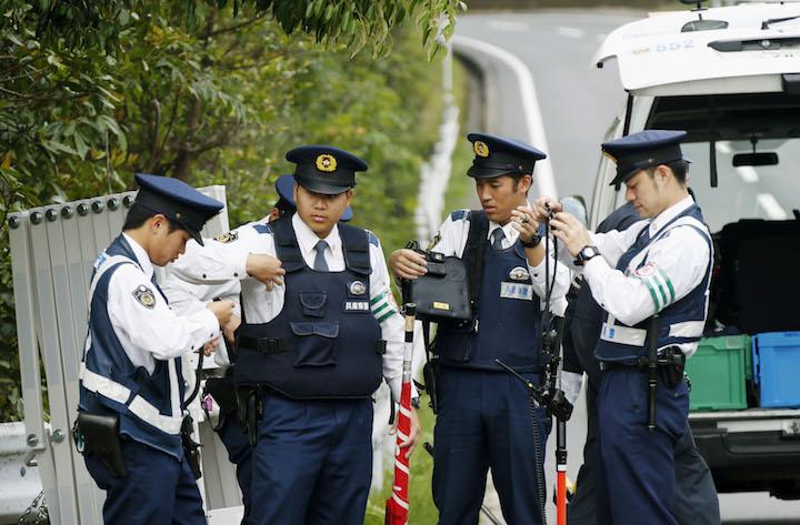 Cảnh sát Nhật hỏi thăm khi đi XKLĐ Nhật Bản  - TTS phải làm thế nào?