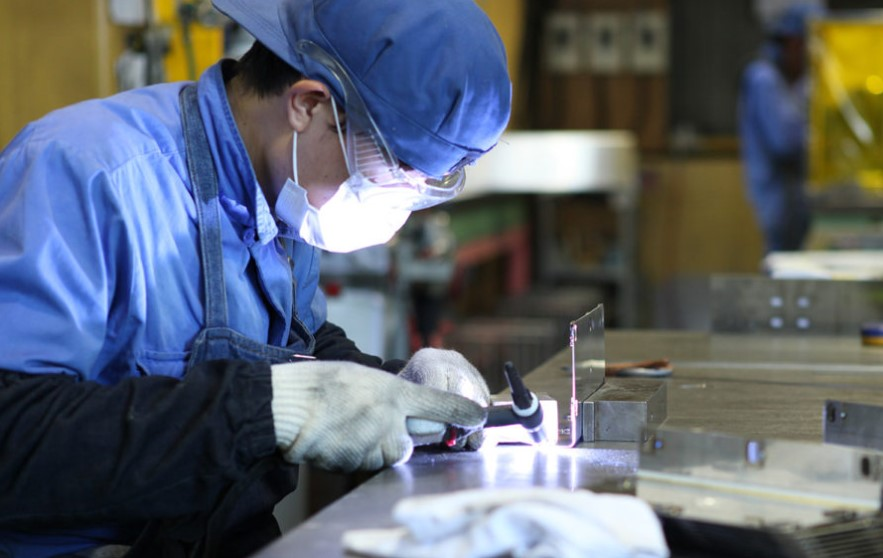 Đơn hàng hàn bán tự động tại Chiba, Nhật Bản lương cực cao
