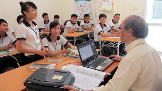 Xuất khẩu lao động Việt Nam: Còn xem nhẹ đào tạo định hướng, giáo dục