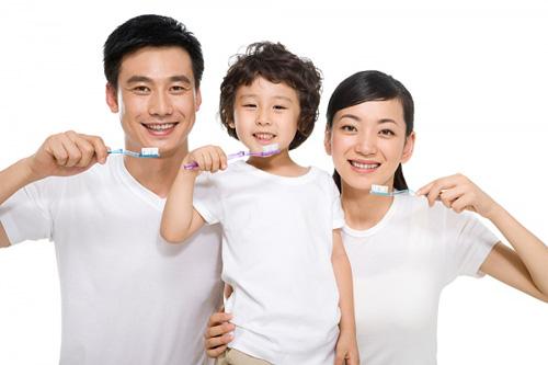 04 điều mà những bà mẹ Nhật không bao giờ làm để bảo vệ hàm răng cho con